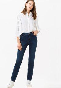 BRAX - STYLE CAROLA - Jeans Straight Leg - blue - 1