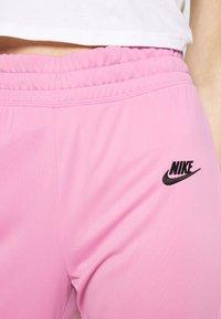 Nike Sportswear - TRACK SUIT SET - Hettejakke - magic flamingo/white - 6