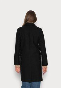 Abercrombie & Fitch - TAILORED SLIM DAD COAT - Classic coat - black - 2