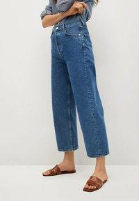 Mango - GABRIELA - Flared Jeans - donkerblauw - 0