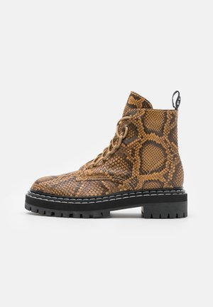 COMBAT LACE UP BOOT - Platform ankle boots - natural