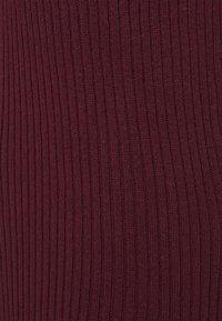 NU-IN - SLEEVELESS MIDI DRESS - Denní šaty - burgundy - 4