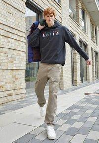 Levi's® - XX TAPER CARGO II - Cargo trousers - brindle back - 4