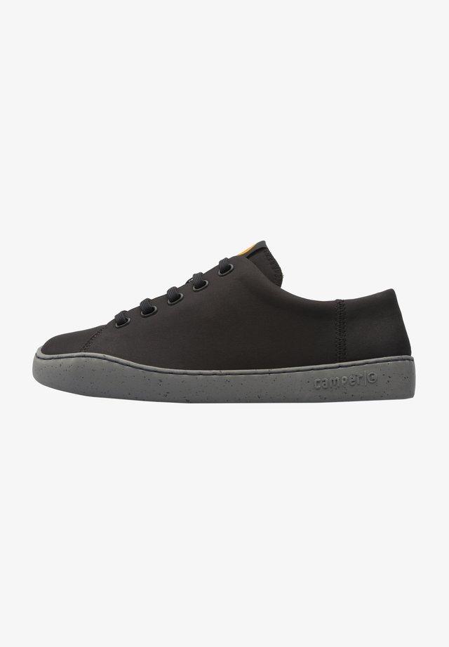 PEU TOURING - Zapatillas - black