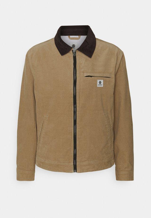 CRAFTMAN LIGHT - Korte jassen - light brown