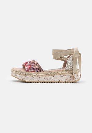 Platform sandals - tonga pink