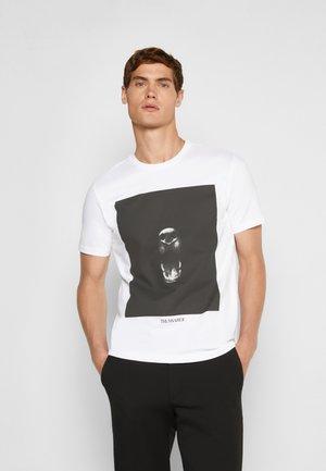 GREYHOUND - Print T-shirt - white