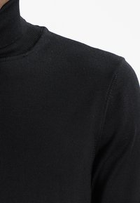 Casual Friday - KONRAD ROLL NECK - Jersey de punto - black - 3