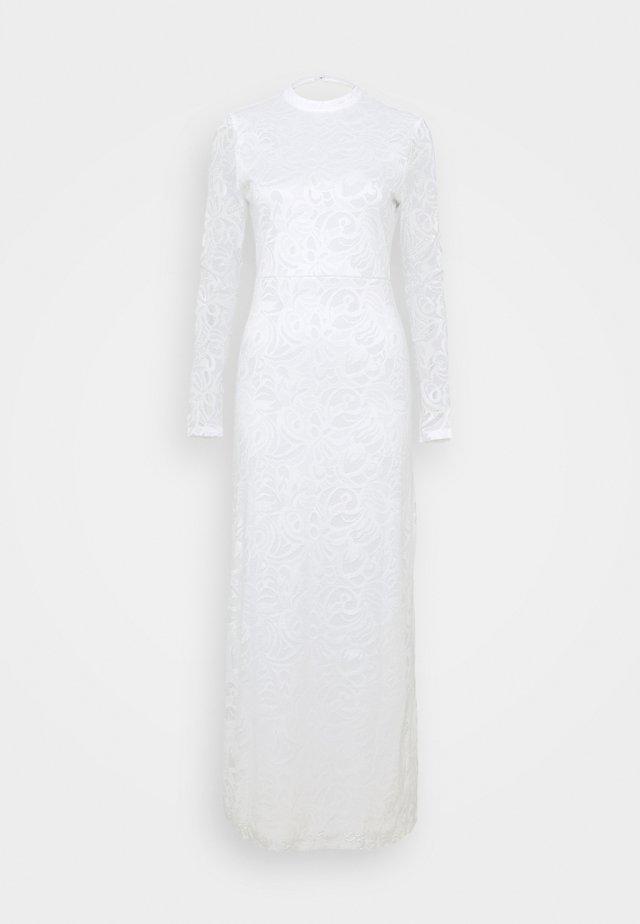 VISTASIA DRESS - Suknia balowa - cloud dancer