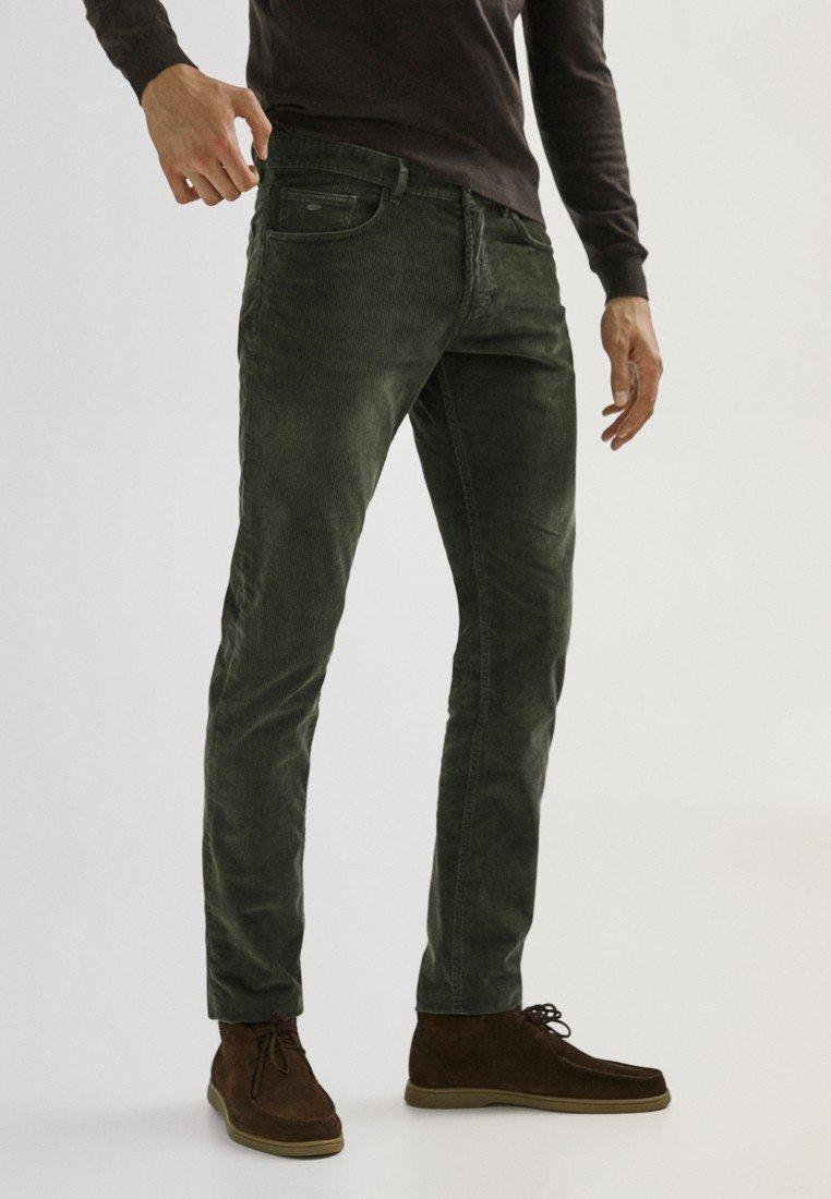 Massimo Dutti - ENTBASTETE  - Trousers - green
