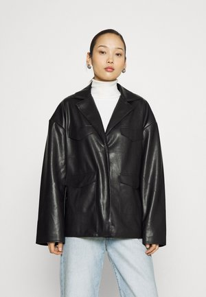 PATCH POCKET JACKET - Imitatieleren jas - black