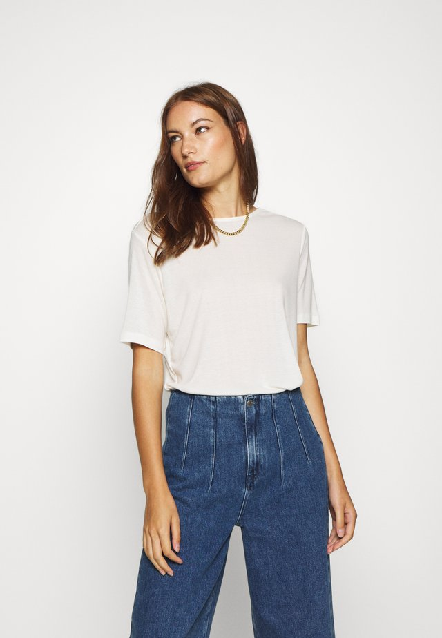 MONA DEEP BACK TOP - Basic T-shirt - egret