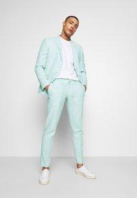 Isaac Dewhirst - PLAIN WEDDING - Oblek - mint - 1