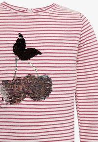 TOM TAILOR - MIT BRUST-PRINT - Camiseta estampada - pink - 2