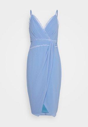 ALUTA MIDI - Pouzdrové šaty - blue bell