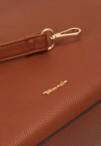 Tamaris - BROOKE - Handbag - cognac - 3