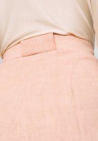 Bec & Bridge - CLUB PANT - Kalhoty - peach - 5