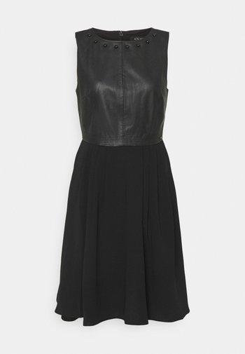 VESTITO - Koktejlové šaty/ šaty na párty - black
