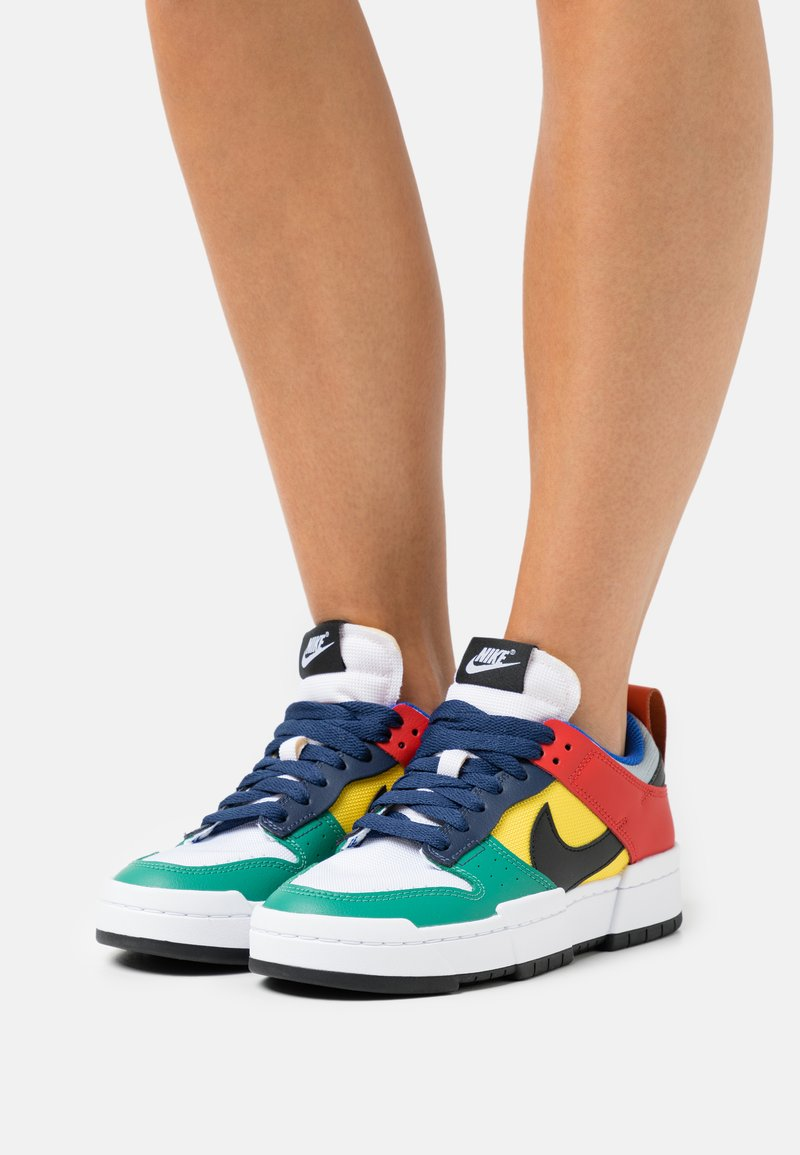 Nike Sportswear - DUNK - Sneakers - wolf grey/black/tour yellow/university red/midnight navy/green noise