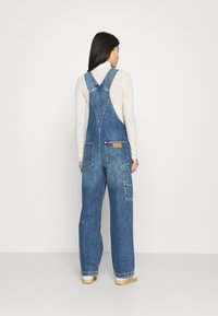 Wrangler - STRAIGHT BIB - Snekkerbukse - all star blue - 2