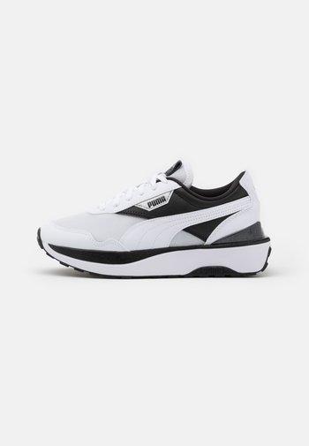CRUISE RIDER - Trainers - white/black