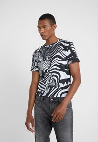 Just Cavalli - T-Shirt print - black/white - 0