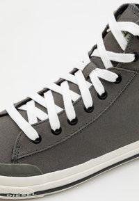 Diesel - ASTICO S-ASTICO MID CUT  - Sneakers alte - grey - 5
