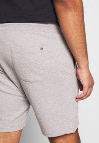Tommy Hilfiger - INTARSIA  - Shorts - grey - 5
