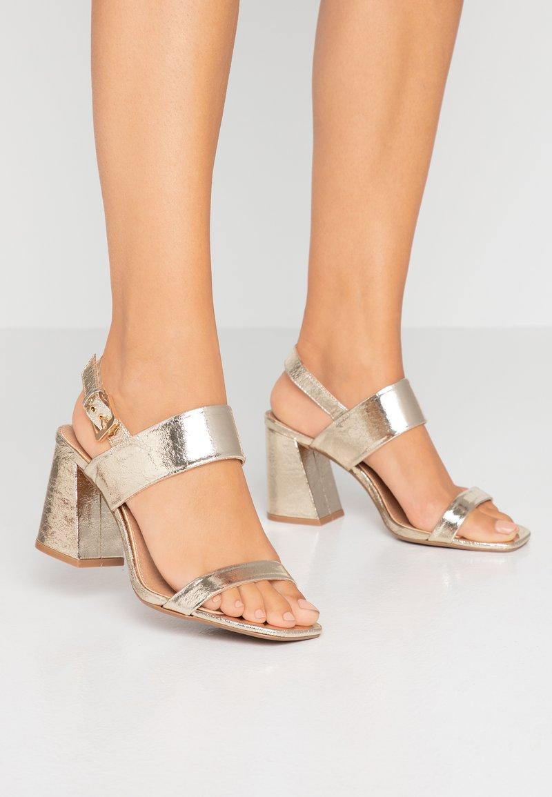 Topshop Wide Fit - WIDE FIT SABRINA BLOCK HEEL - Sandals - gold