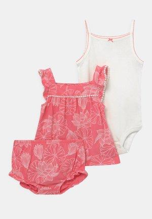 FLORAL SET - Top - pink