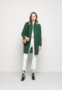 CLOSED - PURE PORI - Classic coat - green - 1