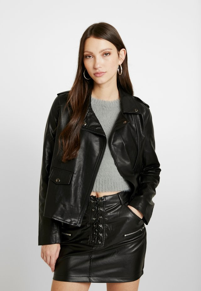 OVERSIZE BOYFRIEND FIT JACKET - Faux leather jacket - black