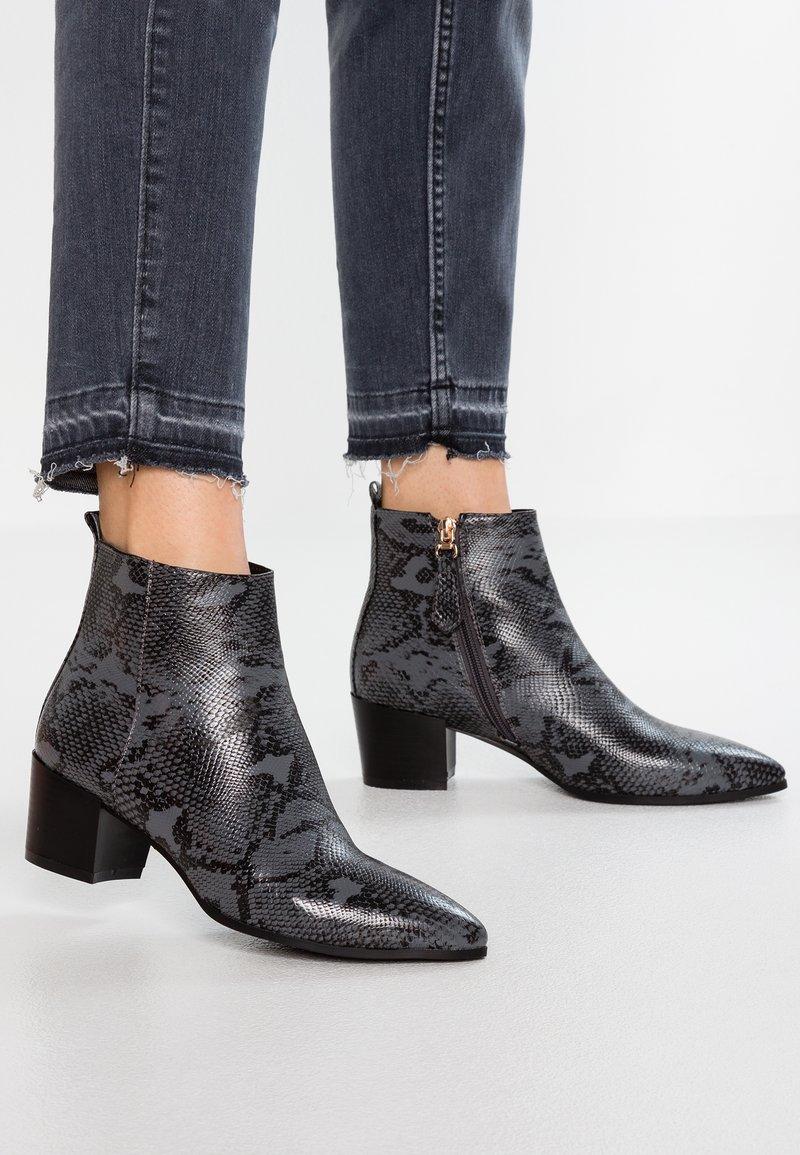 RAID - ANGELICA - Kotníková obuv - grey