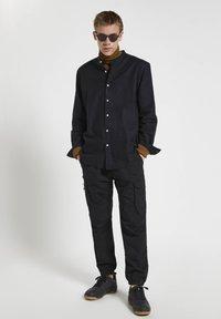 PULL&BEAR - Shirt - mottled black - 1