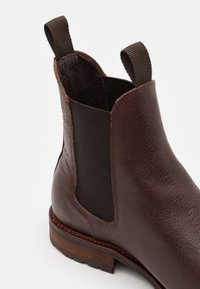 Shoe The Bear - YORK - Classic ankle boots - brown - 5