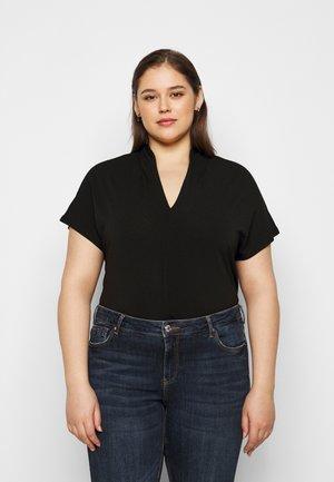 CARCLARA - T-shirts - black