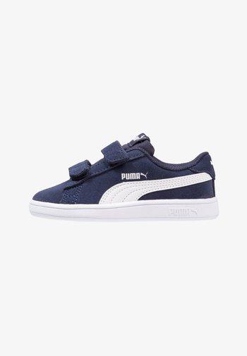 SMASH UNISEX - Sneaker low - peacoat/puma white