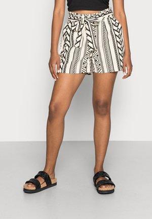 VMDICTHE TIE EXP GA - Shorts - birch/black