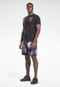 Reebok - REEBOK AUSTIN II SHORTS - Sports shorts - purple - 1