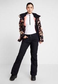 Roxy - BACKYARD  - Pantaloni da neve - true black - 1