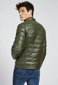 Guess - Winter jacket - grün - 2