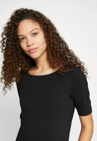 Anna Field Petite - BASIC CREW NECK  - T-paita - black - 3
