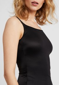 Maidenform - SHAPING CAMISOLE COVER YOURBASES - Shapewear - black - 5