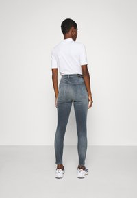 Calvin Klein Jeans - HIGH RISE SUPER SKINNY ANKLE - Jeans Skinny - blue grey - 2