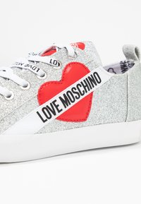 Love Moschino - Trainers - argento - 2