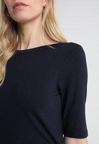 TOM TAILOR - BOAT NECK - Basic T-shirt - sky captain blue - 4