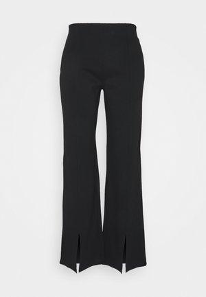 NMSKYLER SLIT PANTS - Bukse - black