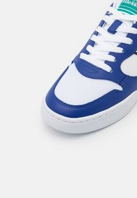Ellesse - USTICA - Trainers - white/blue/dark green - 5