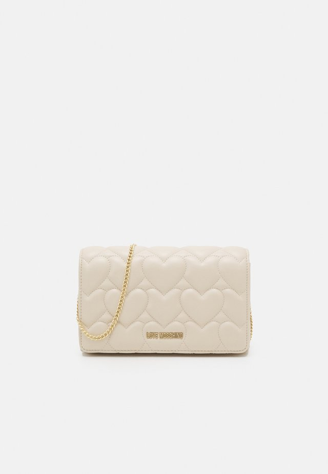 HEART QUILTED CROSSBODY - Across body bag - avorio