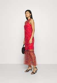 Who What Wear - THE DRESS - Maxi dress - confetti red